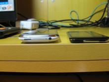 iPhoneとiPod touchの厚さの比較