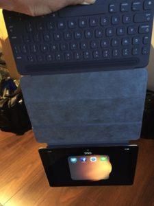 iPad Pro本体をぶら下げた